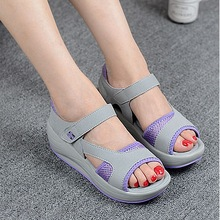 2019 Summer Women Beach Sandals Sandals Women Slippers Shoes A Large Number of Stocks