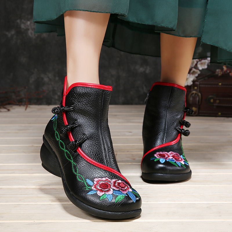 2017 New Winter Boots Female Folk Style Retro Chinese Embroidery Boots Thick Heel Round Toe Handmade Leather Women Boots 6686 100 super cute little embroidery chinese embroidery handmade art design book