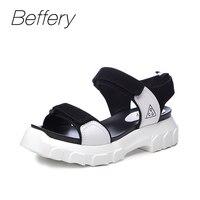 Beffery סנדלים מזדמנים 2018 קיץ נשים נעלי עור אמיתיות בסגנון נשים נעליים שטוחות בוהן עגול אופנה נעלי אישה סנדלי