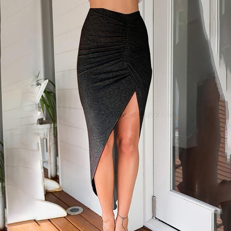 Сексуальная юбка с разрезом впереди фото