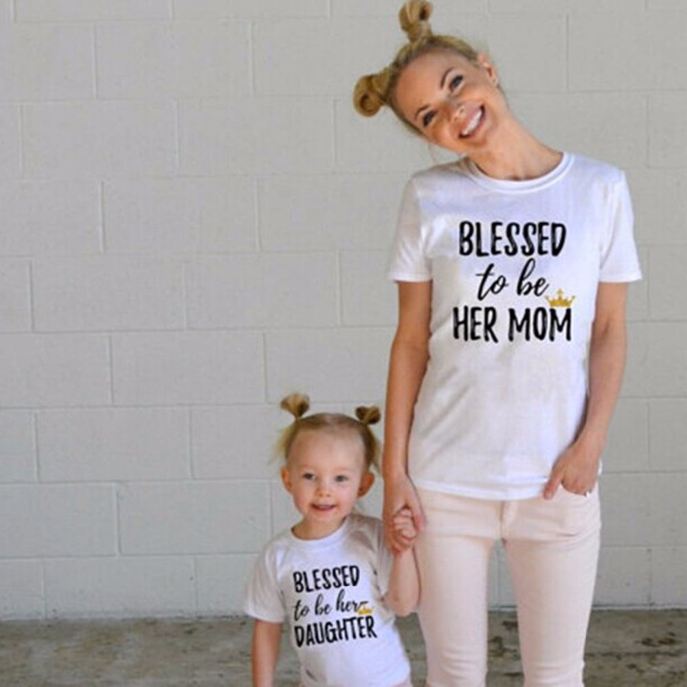 Family matching outfits Mom and me clothes Letter Short sleeved Tshirt Mother daughter dresses family clothing tiny cottons 2017 mother and daughter clothes short sleeved t shirt dresses family matching outfits baby girl clothes girls clothing long dress