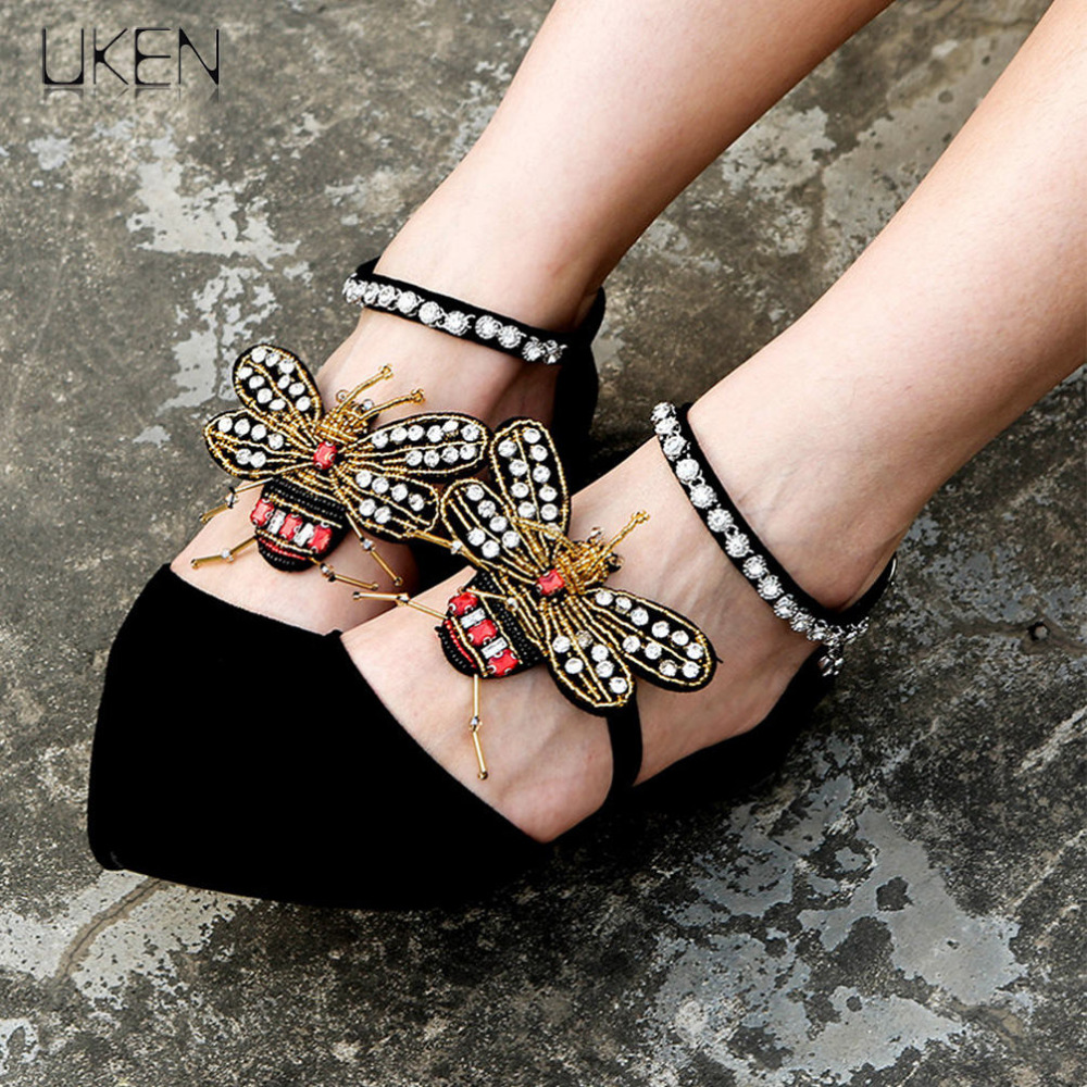UKEN 2 Pcs/Pair Charm Rhinestones Honeybee Anklets Bracelet Women Bohemia Handmade Foot Jewelry Insect Anklets Shoes Wear 2018 pair of vintage triangle crochet anklets for women