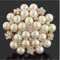 Exquisite Imitação Creme Pérola Flor Pin Broche de Diamante Broche de Strass Casamento Mulheres Broche Pinos Banhado A Ouro Elegante