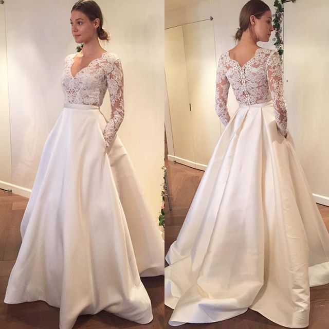 2017 Mariage Vintage Long Sleeve V Neck Floor Length Lace