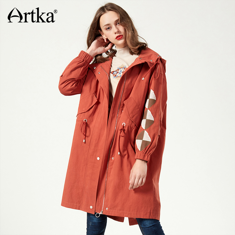 ARTKA Autumn   Trench   Women Hooded Long   Trench   Female 2018 Embroidery Women   Trench   Adjusted Belt Windbreaker Outerwear FA10077Q