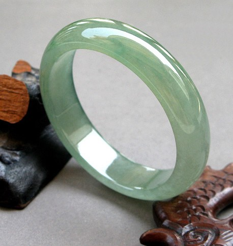 ธรรมชาติหยกสร้อยข้อมือสร้อยข้อมือหยกพม่าแสงสีเขียวสร้อยข้อมือหยกน้ำแข็งน้ำชนิด-ใน สร้อยข้อมือและกำไล จาก อัญมณีและเครื่องประดับ บน   1