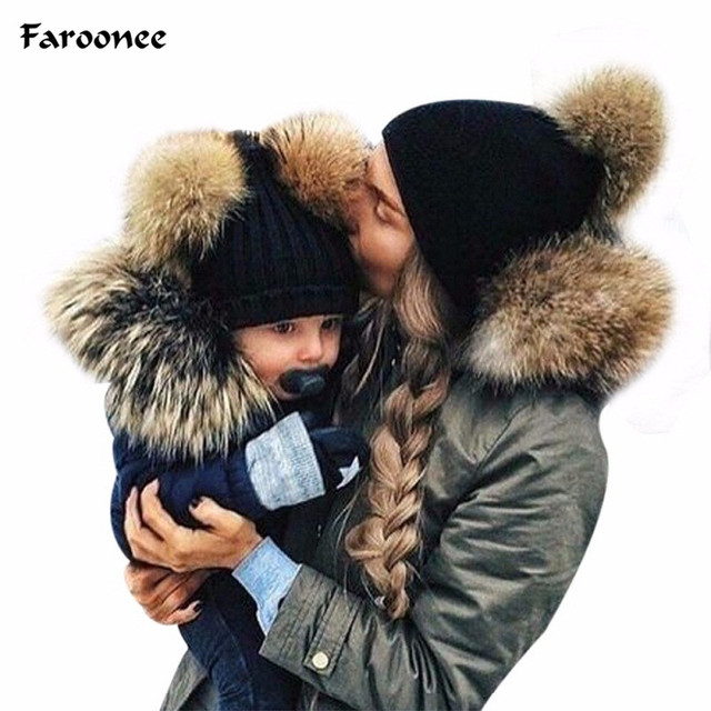 Faroonee 2018 New Arrival Mom&Baby Cap Double Fur Ball Cap Pom Winter Warm Hat Women Girl Boys Knitted Beanies Cap Crochet Hat