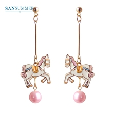 2017 New hot 1PC Fashion jewelry form Sansummer Pearl Horse Colour Long Women Fantastic Feautiful Personality Stud Earrings