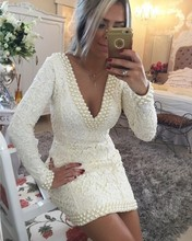 Sexy Tiefer V-ausschnitt Kurze Cocktailkleider Langarm Rückenfreies Abendkleid mit Perlen Frauen Spitze Party Kleider
