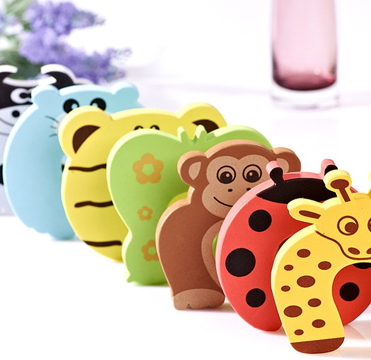 1Pcs 2018 Hot Door Stopper Animal Baby Security Card Protection For Children Tools Baby Safety Gate Products Care Random F2122