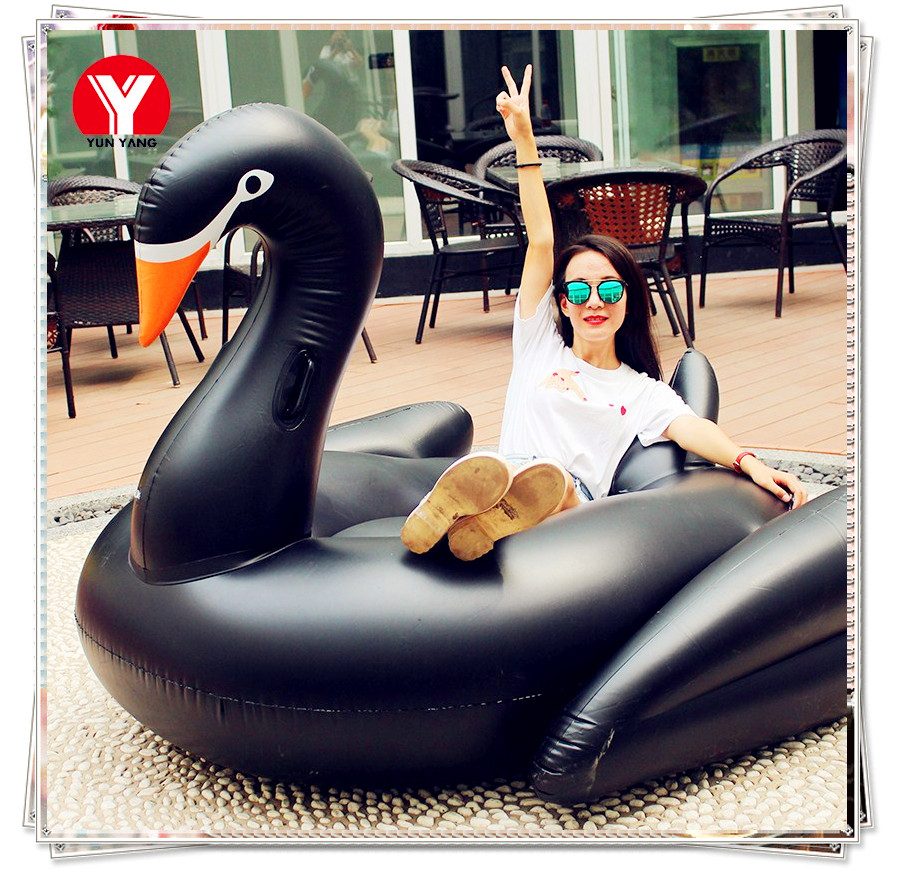 2018 Hot Selling Women Flotadores Para Piscina Black Swan Float Giant Inflatable Swan Pool Float 190cm Beach Party Water Toys