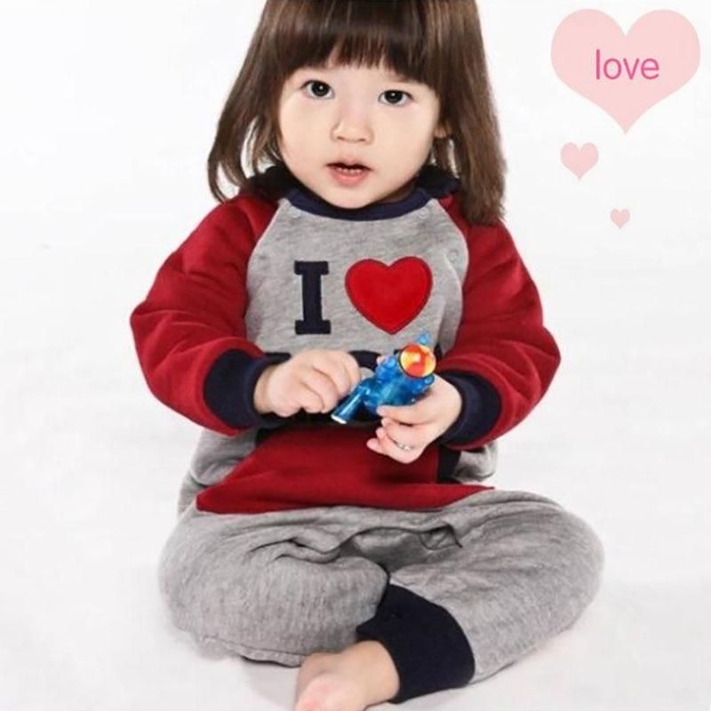 Forår Efterår Baby Romper Tøj Med Hat Kærlighed Mama Og Papa Mønster Babytøj Ropa Småbørn Rompere 2farver 1stk HB017