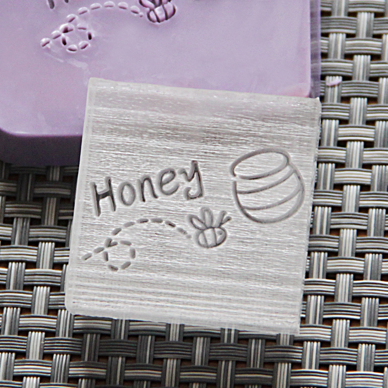 2016 free shipping natural handmade acrylic soap seal stamp mold chapter mini diy honey patterns organic glass 4X4cm 0100 high quality 100% natural pure sweet honey bee honey