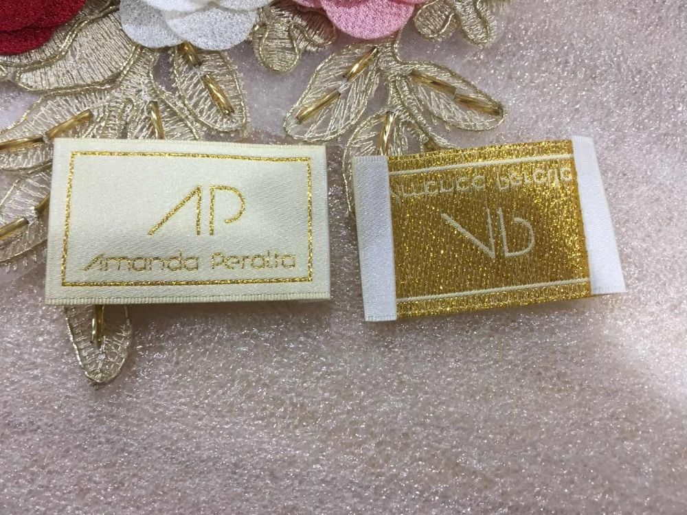 Metallic Gold thread Customized woven label garment tags main label Damask Satin clothing label End fold