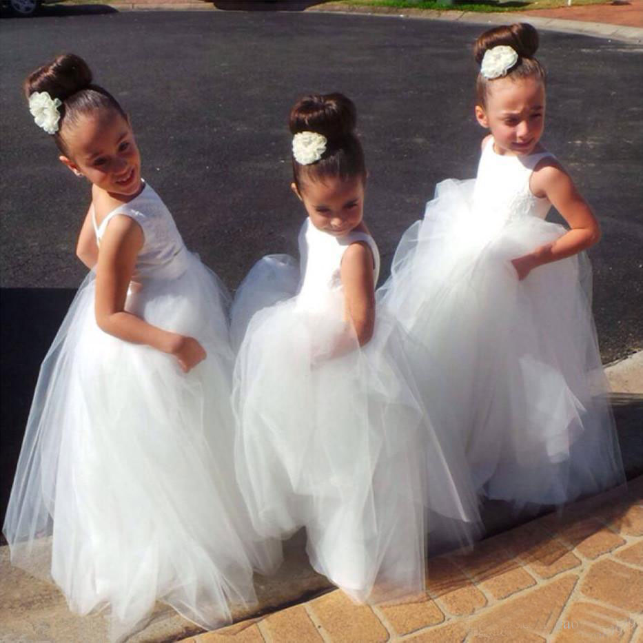 Ball Gown Kids 2019 Lovely White Ivory Tulle   Flower     Girl     Dresses   with Spaghetti Straps Lace Pageant   Dresses   for Little   Girls