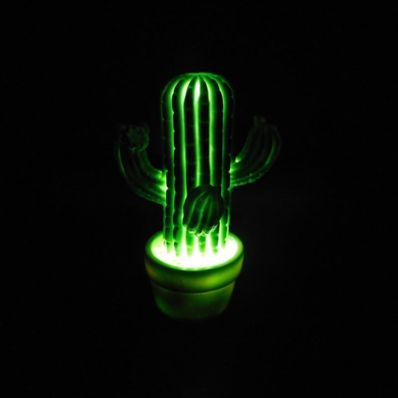 Luzes da Noite cactus verde dos desenhos animados Tipo : Atmosfera
