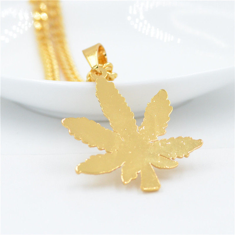 Exquisite hip hop long men 39 s maple leaf necklace alloy pendant jewelry accessories great decoration personality in Pendant Necklaces from Jewelry amp Accessories