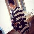 O mais baixo preço frete grátis Europa modelos de passarela das Mulheres listrado preto e branco jaqueta casaco grosso longo-manga