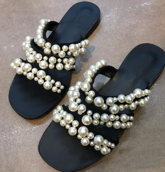 Newest woman slipper 2017 summer lovely white pearls beaded flat shoes sexy open toe cutouts gladiator sandal