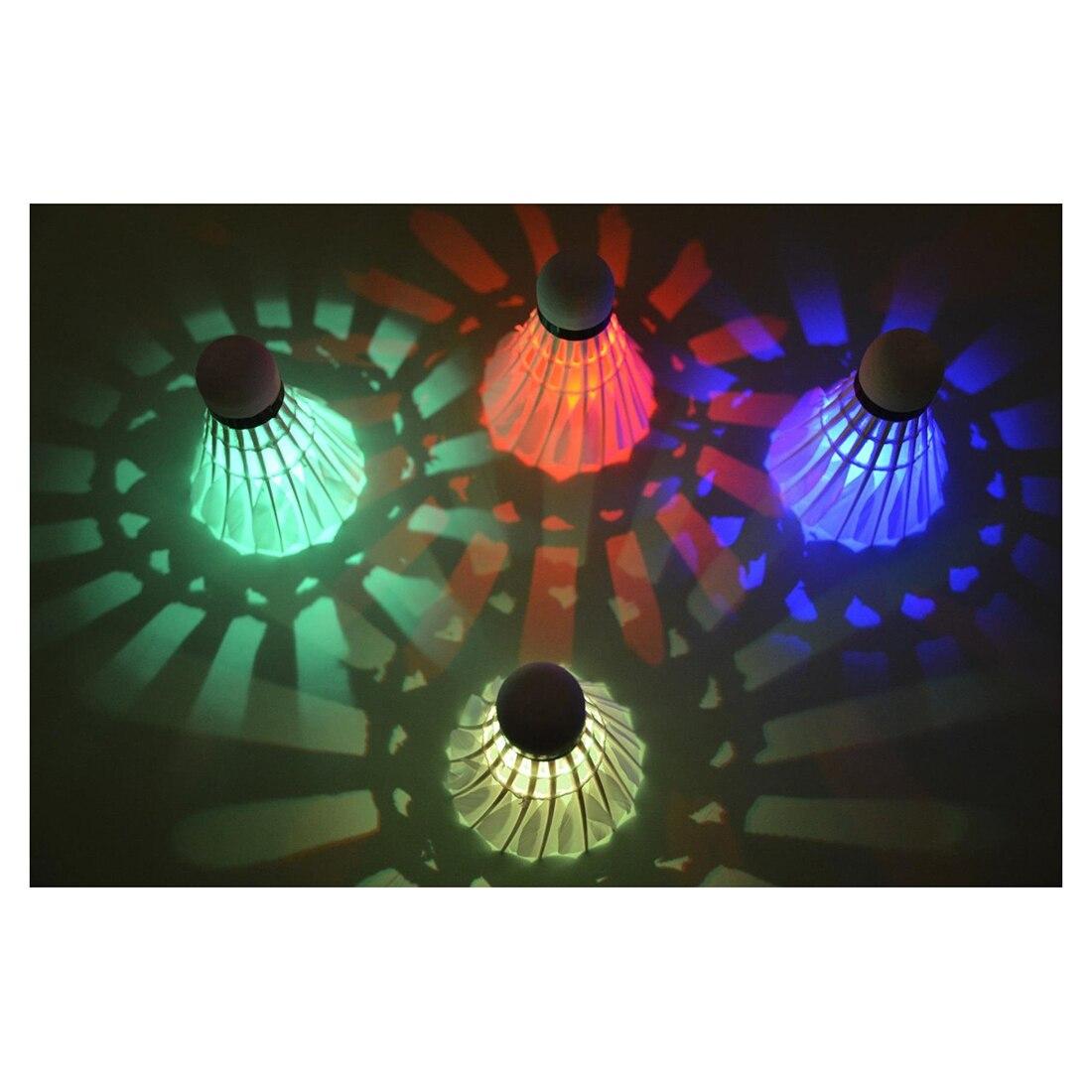 Loftwell Темная ночь Glow Бадминтон Воланы птички Lightning для наружного и занятий спортом в помещении (4 упак.)