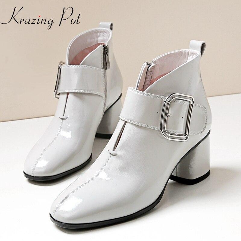 Ayakk.'ten Ayak Bileği Çizmeler'de Krazing Pot mikrofiber yuvarlak toe kısa çizmeler kare toka yüksek topuklu streetwear yüksek kalite orijinal tasarım yarım çizmeler L2f8'da  Grup 1
