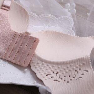 Image 2 - Комплект женского нижнего белья, 80 100 cd бюстгальтер и трусики большого размера, цельный, бесшовный, тонкий, с отверстиями, модное, жаккардовое нижнее белье