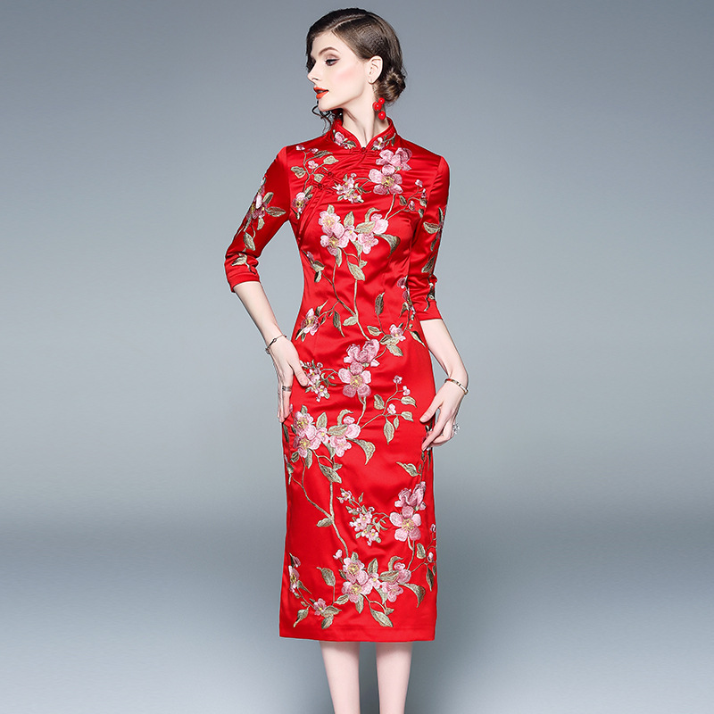 Floral Embroidery Cheongsam Dress Women 2019 Spring Chinese Style Three Quarter Sleeve Mandarin Collar Elegant Dresses