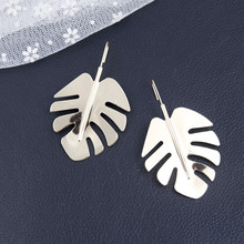 New Fashion Gold Color Metal Leaf Hook Dangle Earrings for Women European Style Good Quality Statement Jewelry Wholesale 5B2009