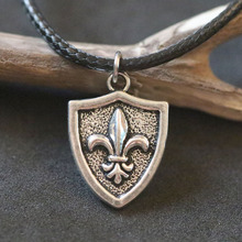 Vintage Silver Fleur de Lis French Lily Flower Necklaces For Women Christmas Gift Fashion Charms Pendant Necklace Choker Collier
