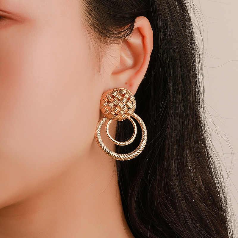 Punk ยุ้ย Gold Hammered Star ต่างหูตุ้มหูขนาดใหญ่สำหรับผู้หญิงไม่สม่ำเสมอเรขาคณิตต่างหู Studs ง่ายต่างหูโลหะ