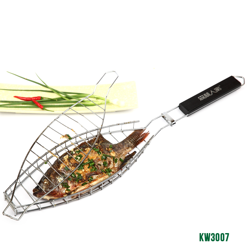 Hot selling 1 pcs Durable One Fish Grilling Basket w/ Black Wood Handle Fish Grill Rack BBQ Grill Basket for Single Fish KW3007