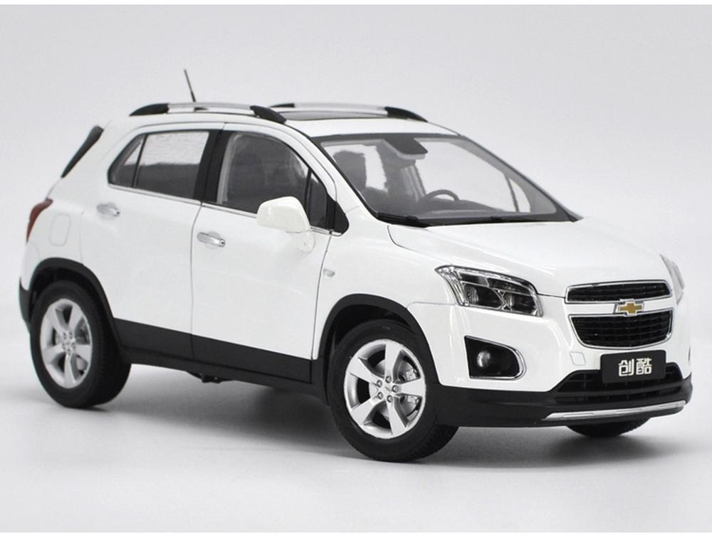 1/18 Scale Chevrolet Trax White Diecast Car Model Collection Gift