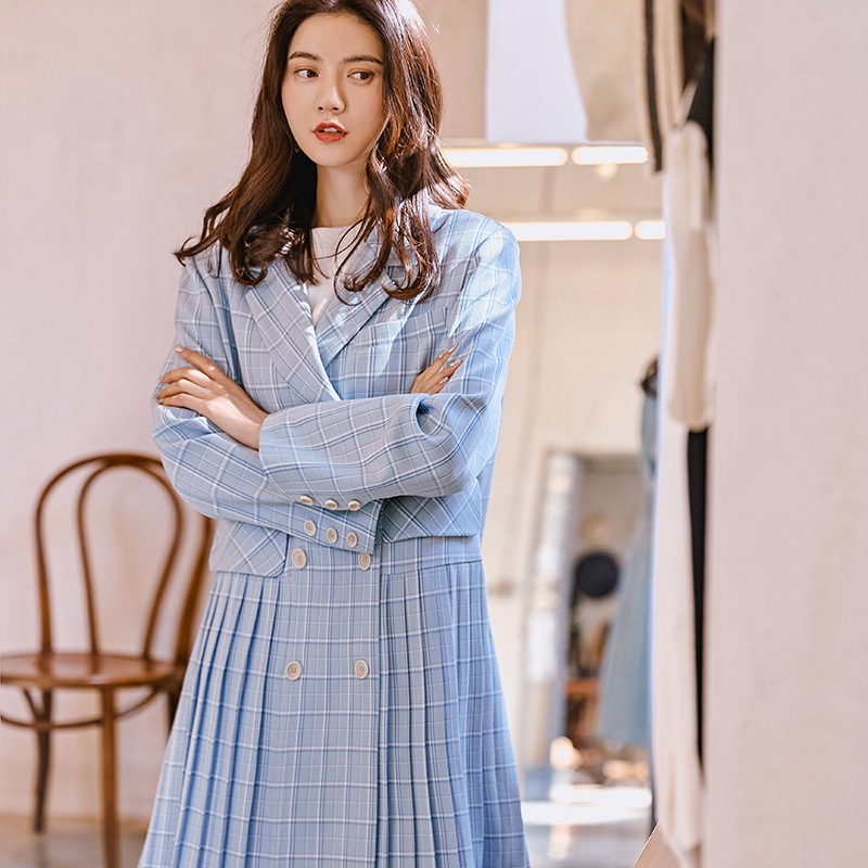 LANMREM 2019 New Fashion Blue Striped Patchwork Pleated Hemline Long Type Windbreaker For Women Overcoat Female