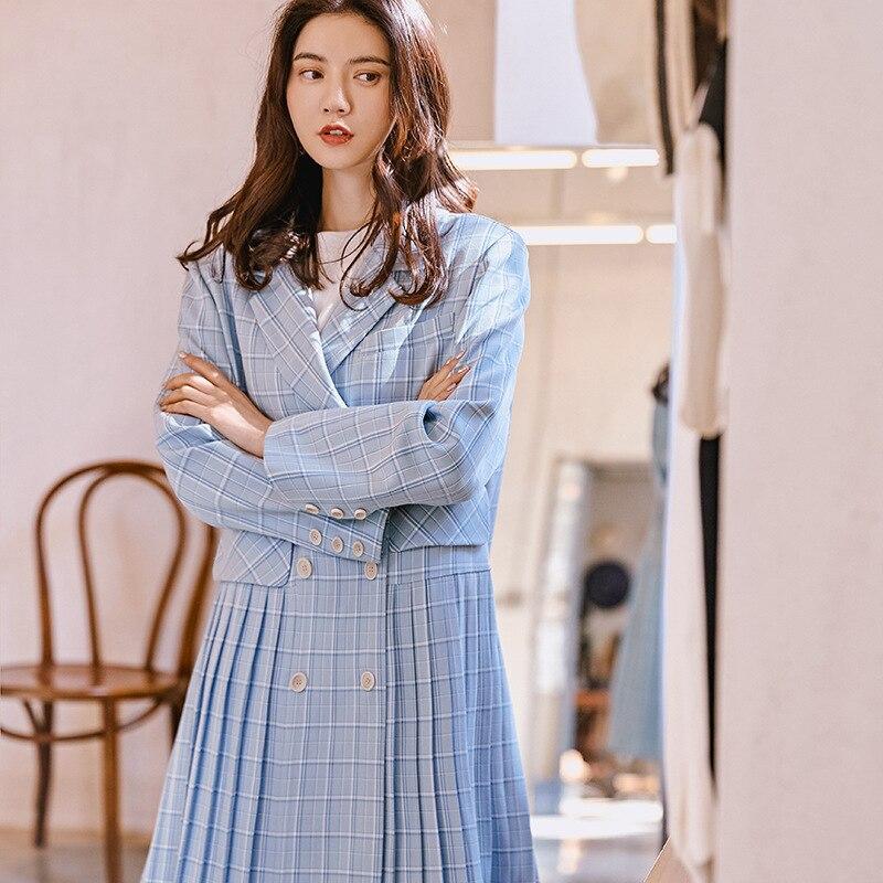 LANMREM 2019 Neue Mode Blau Gestreiften Patchwork Plissee Saum Lange Typ Windjacke Für Frauen Mantel Weibliche Vestido YG61005-in Trench aus Damenbekleidung bei  Gruppe 1