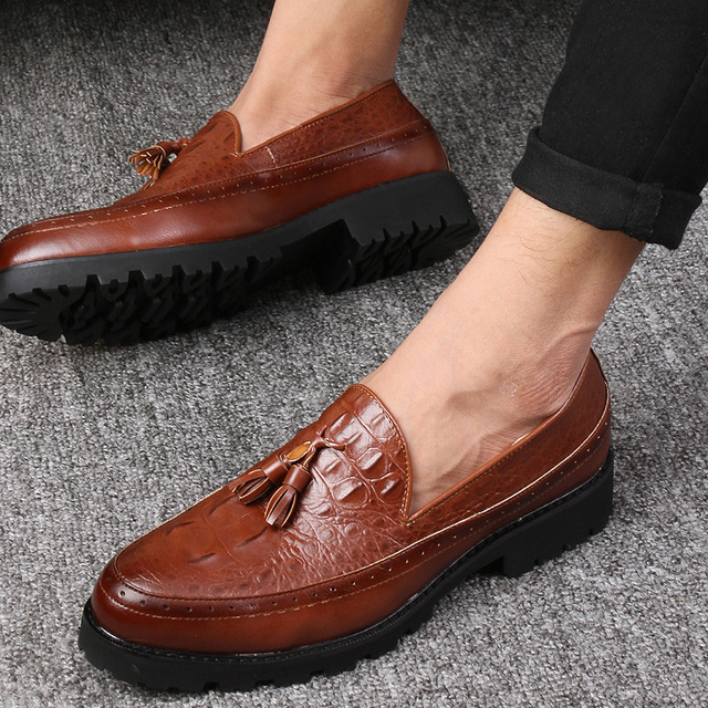 Tassel Men Oxford Shoes Mens Soft Leather Crocodile Casual Shoes Luxury Dress Party Wedding Flats Shoes 3 colors 2016 New Brand