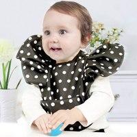 Waterproof Bowknot Baby Children Feeding Bibs Brand Dot Saliva Children Baby Pocket Infantil Bavoir Eating Bandana