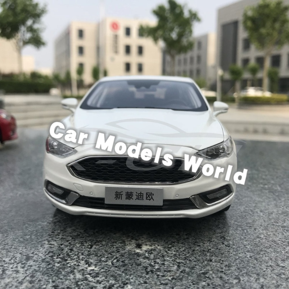 Diecast Car Model for New Mondeo 2017 1 18 White SMALL GIFT