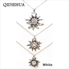 2019 New Style 3pcs/set Rhinestone Necklace For Women Short Chain Edelweiss Necklace Pendant Bijoux Fashion Silver Boho Choker