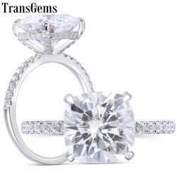 Transgems 14K beyaz altın 4.5CT 10MM yastık kesim GH renk Moissanite altında Halo nişan yüzüğü ile yarım sonsuzluk Band kadınlar için