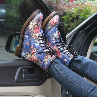 Free shipment Fashion handsome vintage small flat heel boots martin boots 2013 women's spring shoes