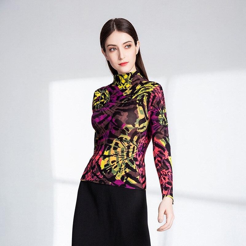 Le nouveau style de slim manches longues T-shirt chemise de fond haut cou femmes vêtements plissés MIYAKE T-shirt livraison gratuite