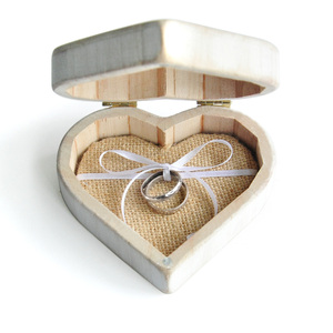 Image 4 - Vintage Beyaz Kalp Alyans Kutusu, Kişiselleştirilmiş Ahşap Düğün Halka Yastık Kutusu, Rustik Düğün Yüzük Tutucu Kutusu