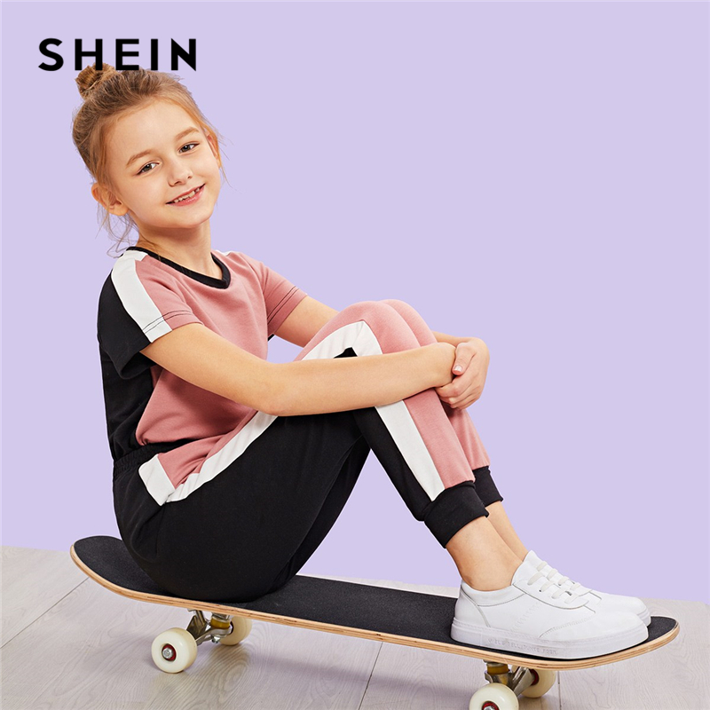 SHEIN Kiddie Contrast Side Seam Colorblock T-Shirt And Carrot Pants Set Kids 2019 Summer Active Wear Short Sleeve Clothes Suit contrast striped side sweatpants