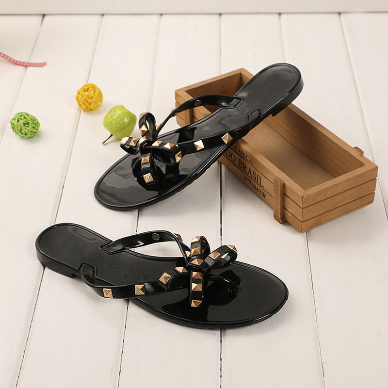 2019 Fashion Women Sandals Flat Jelly Shoes Bow V Flip Flops Stud Beach Shoes Summer Rivets Slippers Thong Sandals Nude