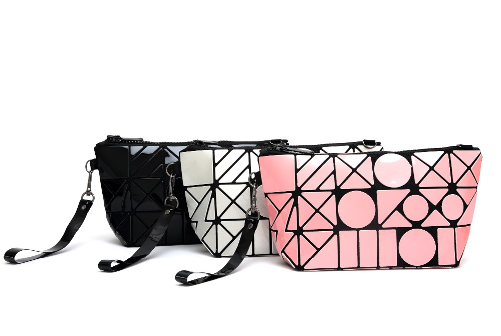 Geometric Cosmetic Bag Chain Pouch