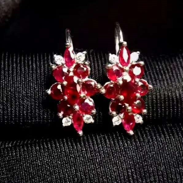 Pure natural Burma no fire pigeon blood ruby eardrop. No fire dove red ruby. Specifications: 3x3mm! 3x5mm! 2X4MM! Pure silver pl fire granny 2018 11 20t20 00