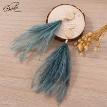 Badu Vintage Ostrich Feather Earring Long Drop Dangle Earrings for Holiday Gold Metal Pendant Women Christmas Jewelry Wholesale