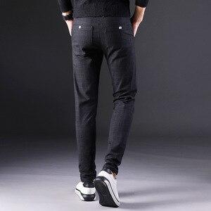 Image 5 - 2019 novas calças masculinas em linha reta soltas calças casuais tamanho grande algodão moda masculina terno de negócios calças xadrez marrom cinza algodão