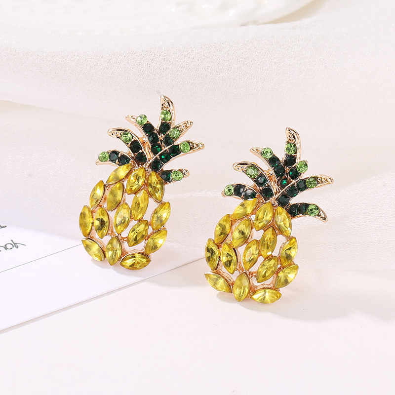 Charming Golden สับปะรดสตั๊ดต่างหูสำหรับสุภาพสตรีขายส่งบุคลิกภาพผลไม้งานแต่งงานเครื่องประดับ