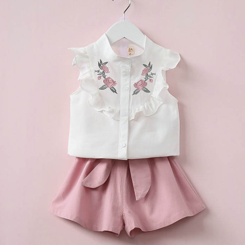 2018 Summer Sleeve Girls Clothes Sets Embroidered White lace T-shirt + Shorts With bow Suite Children Causal Tops Fashion Pants
